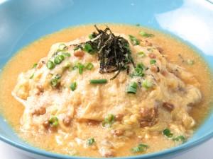 納豆とトロロの鰹出汁オムライス